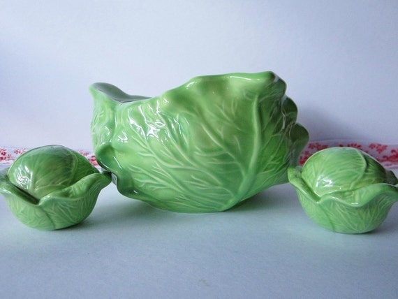 Vintage Holland Cabbage/Lettuce Bowl with Salt & Pepper Shakers