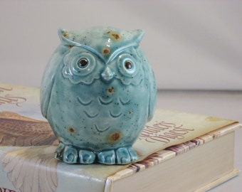 Green/Blue Teal Owl figurine collectible ceramics hand painted home decoration. The great horned owl.
