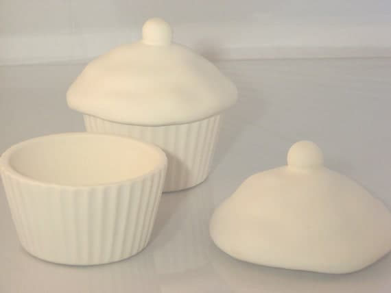 Diy paint your own ceramic cupcake trinket box for Diy ceramic painting