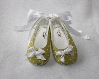 DOTTIE GREEN-Polka Dot Green, White, Lime, Olive Girl Cloth Shoe