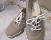 Vintage Preppy Oxford Lace Up Tennis Shoes Taupe Size 6.5 Medium summer fun