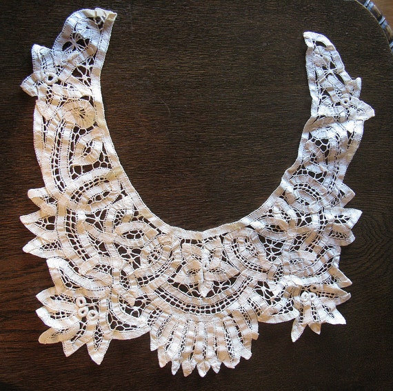 Beautiful Antique Lace Collar - 1800s From Spain - (Fz) - Sale reduced from 50