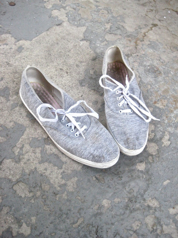 reserved until 7-28 /1970s heather gray vintage canvas shoes 8