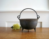 Vintage Cast Iron Kettle - Rustic Primitive Farmhouse Chic