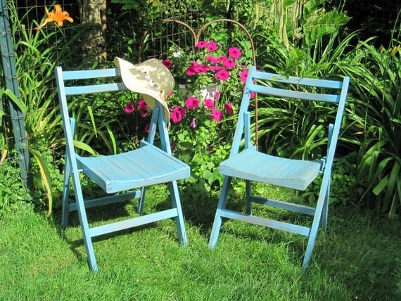 vintage wood folding chairs shabby chic by goldendaysantiques