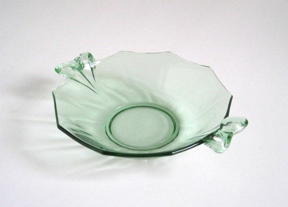 Vintage Green Depression Glass Bowl - Fostoria Fairfax - Sweetmeat with Bow Handles