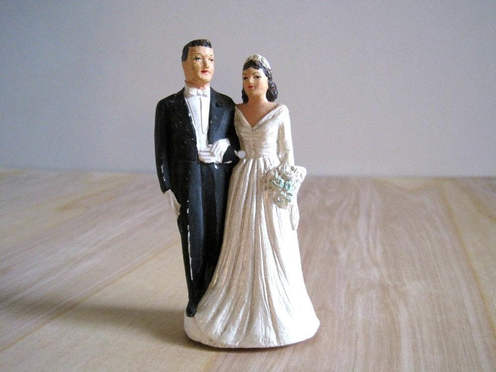 vintage wedding cake topper bride groom 1950 39 s chalkware. Black Bedroom Furniture Sets. Home Design Ideas