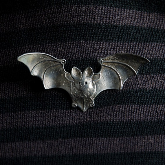 Bat Brooch - sterling silver - metal brooch