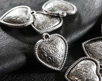 8pcs / Heart / Oxidized Silver Tone / Base Metal Charms (YA10786//C274)