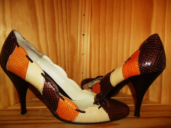 Show a little SKIN Vintage 90's Color Blocked Embossed Snake Skin Leather High Heels Pumps Made in Italy by Amalfi size 10 B
