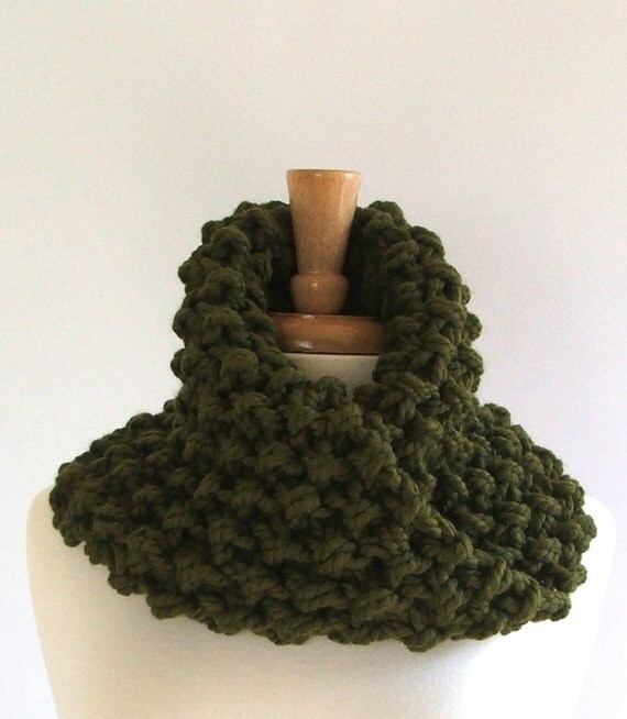 Sale - Chunky Knit Olive Green Twisted Infinity Cowl Scarf