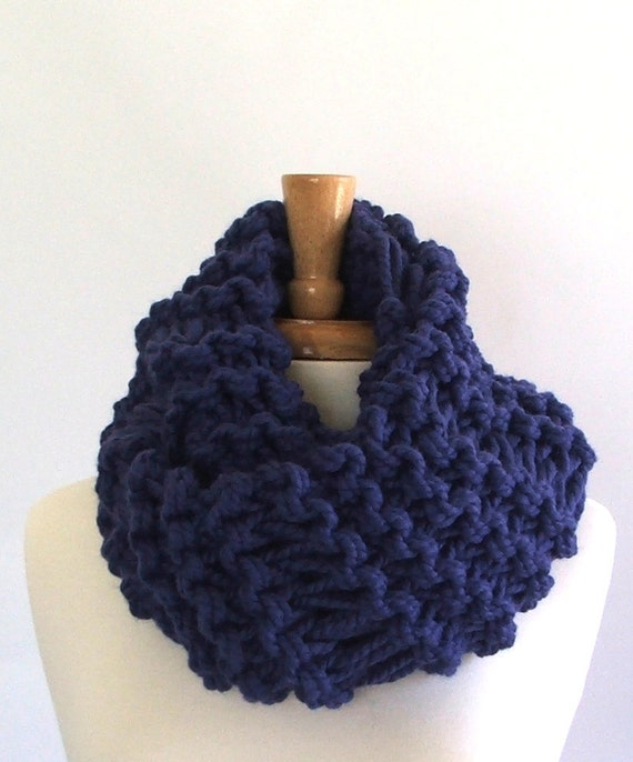 Knitted Drop Stitch Cowl Pattern : Chunky Knit Sapphire Blue Drop Stitch Infinity Cowl Scarf
