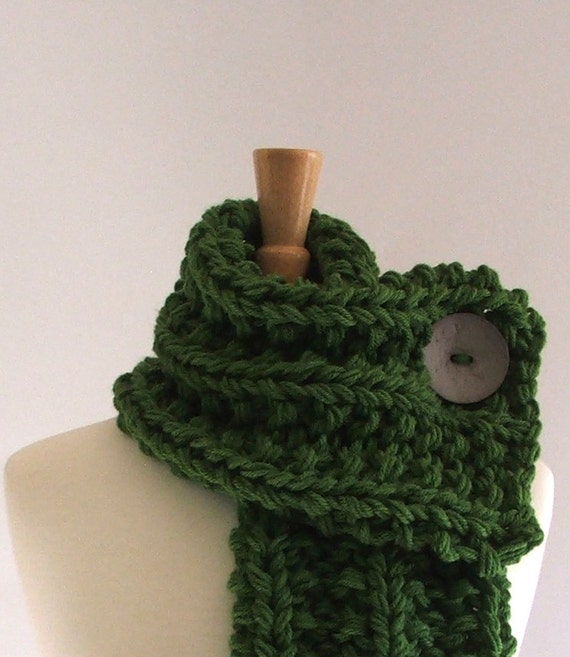 Chunky Knit Kelly Green Cowl Scarf with Large Light Gray Button