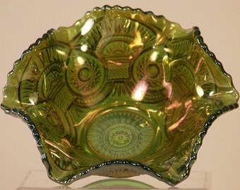 Imperial Glass Green Carnival Bowl Twins Pattern