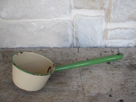 Vintage Green Enamelware Ladle Enamel Ware Long Metal Dipper Water Soup Cream Jadeite Green