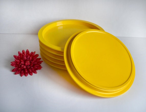Vintage Dansk Plates Yellow designed by Grunnar Cyren