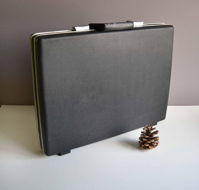 Vintage Thin Samsonite Briefcase