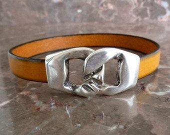 Yellow leather bracelet with zamak clasp
