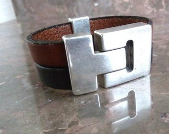 Multi wrapped leather bracelet with zamak magnetic clasp