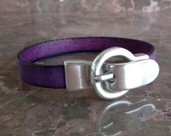 Purple leather bracelet with zamak magnetic clasp