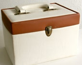 French vintage cream and toffee travel vanity train case