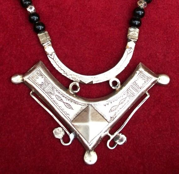 Tuareg necklace with onyx beads