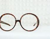 Circle 1980's Oversize Eyeglass Modernist Frame Modern Tortoise Horn Rim Circle Large 60/19 Unisex by Liz Claiborne Optical
