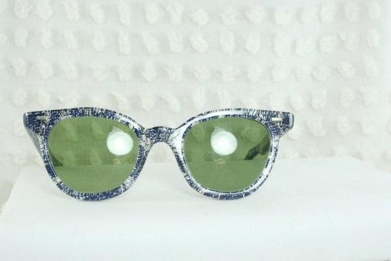 50s Sunglasses Horn Rim Wayfarer Cobalt Blue Lace Inlay Sparkle Non Prescription Green Glass Lens