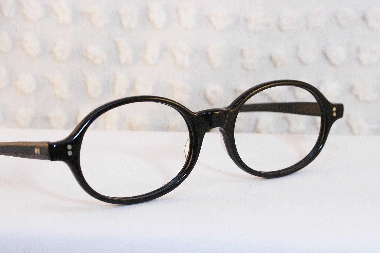 Black Oval 1960s Horn Rim Eyeglasses Rounded by DIAeyewear