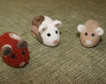 Guinea pigs, felted guinea pig, felted soft sculpture, guinea pig miniature