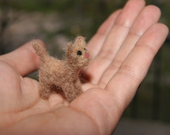 Felted cat, cat miniature, neddle felted cat, super tiny, felted toys, toy cat, natural wool toys