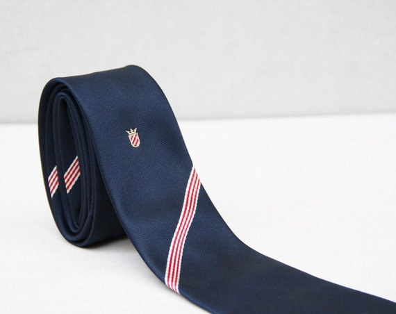 French Crest Tie in Navy Blue with a Red White Diagonal Stripe