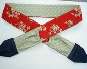 """NEW """" Clary Sage and Red Roses """"camera strap, reversible, 2 expandable pockets with stretchable elastic"""