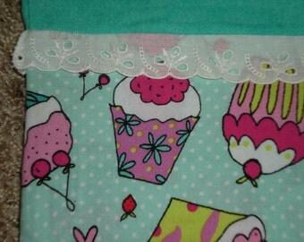 Cupcake Pillowcase