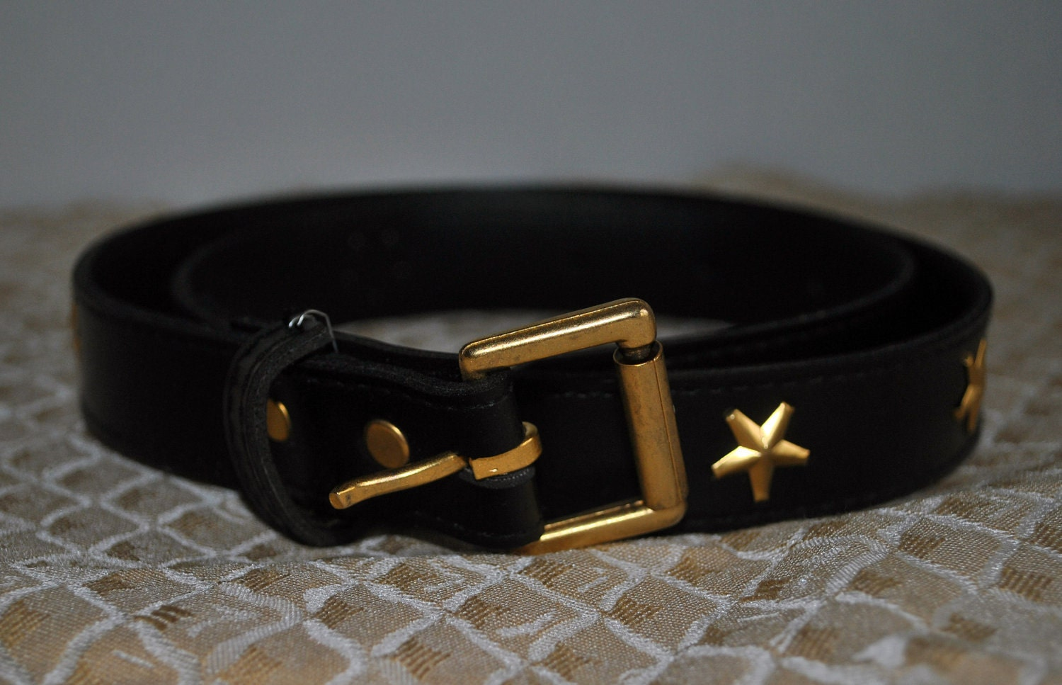 Find black and gold waist belt at ShopStyle. Shop the latest collection of black and gold waist belt from the most popular stores - all in one place.