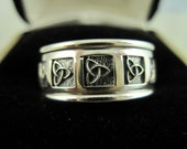 Beautifully Hand Crafted Masculine Trinity Celtic Knot Ring
