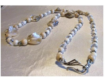 Natural Mother of Pearl and  White Turquoise Gemstone Necklace