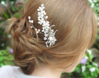 Wind in the Willows - Freshwater Pearl Vintage Bridal Hair Comb