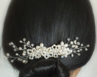Apollina - Vintage style Freshwater Pearl Bridal Comb
