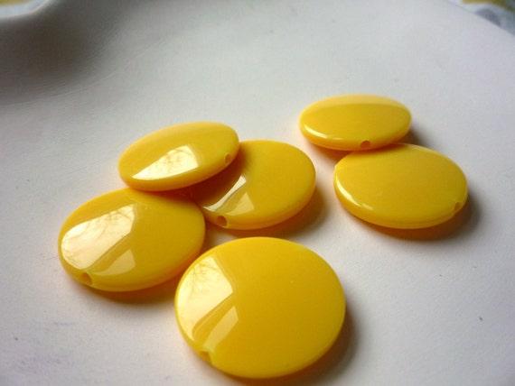 20mm Yellow Plastic Beads qty 6