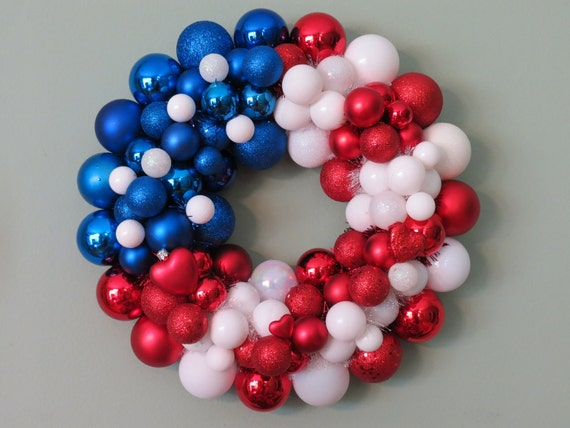 USA FLAG PATRIOTIC Ornament Wreath with Hearts