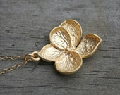 Flower Necklace in Gold. Magnolia.Pendant Necklace.Gold Filled Necklace.Bridesmaid Necklace.Wedding.Bridesmaid Gift.Bridal Jewelry.Delicate.