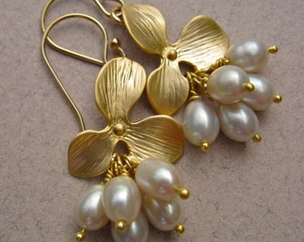 Freshwater Pearl Earrings with Gold Flower, June Birthstone Jewelry, Bridal Earrings