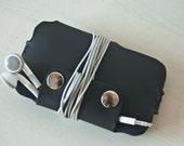 IPhone 5 case, IPhone 5 sleeve, IPod Touch case, IPhone 3 case, IPhone 4 case, IPhone 4S case - Black leather sleeve