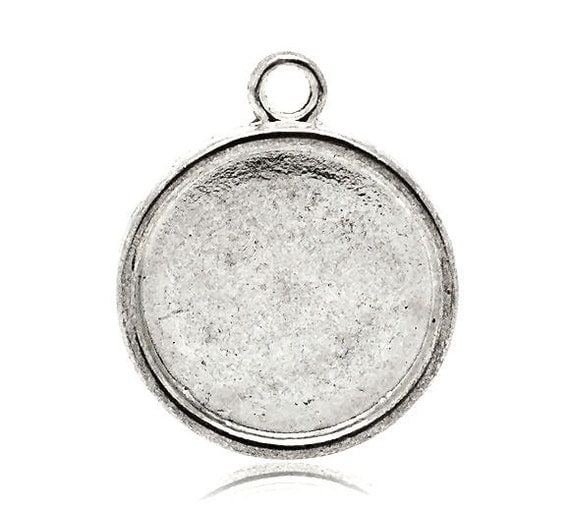 Pendant Tray / Pendant Blank - 10 Pcs Silver Round Cameo / Picture Setting / Bezel ... Holds 20mm Cabochon / Cameo - Lead free / Nickel free