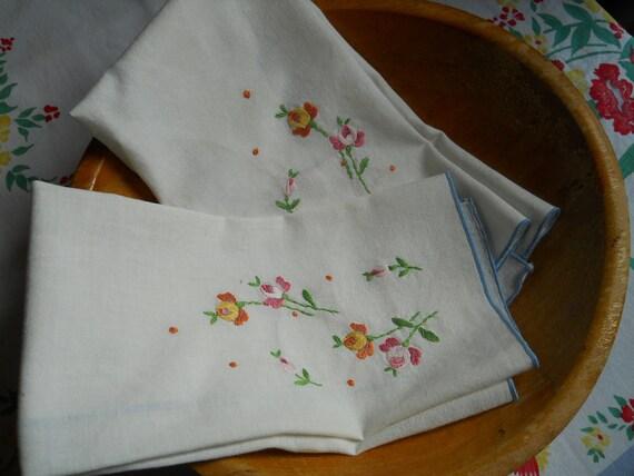 Pair of Vintage Tea Hand towels