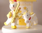 IRMI Wood Lamp - Hey Diddle Diddle Nursery Rhyme - Yellow and White