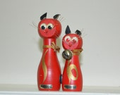 Red Magnetic Cats Salt and Pepper