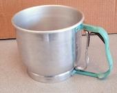 Vintage FOLEY 5 Cups Aluminum Manual Flour Sifter Kitchen Utensil.