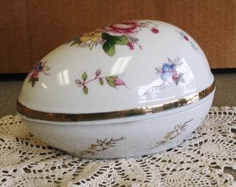 SHACKMAN JAPAN Hand Painted Egg Fine Porcelain Jewelry Trinket Box.